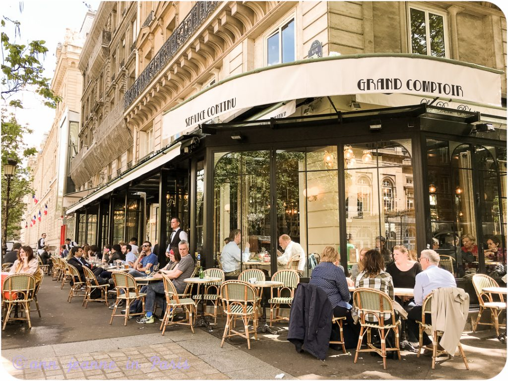 Cafe des 2 Palais in front of the Sainte Chapelle