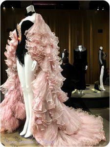 Dalida, une garde-robe de la ville à la scène