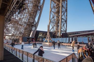 172711-patinoire-tour-eiffel-2015-6