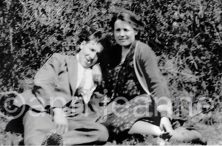1930-00-00 - Grand parents maternels -vers 1930 ?