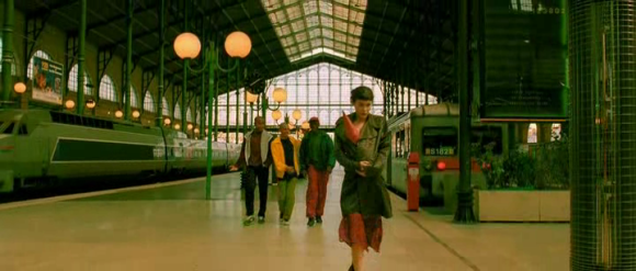 Amélie in the Gare du Nord