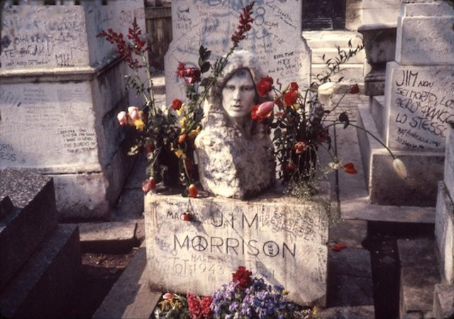Jim Morrison's grave with the statue stolen
