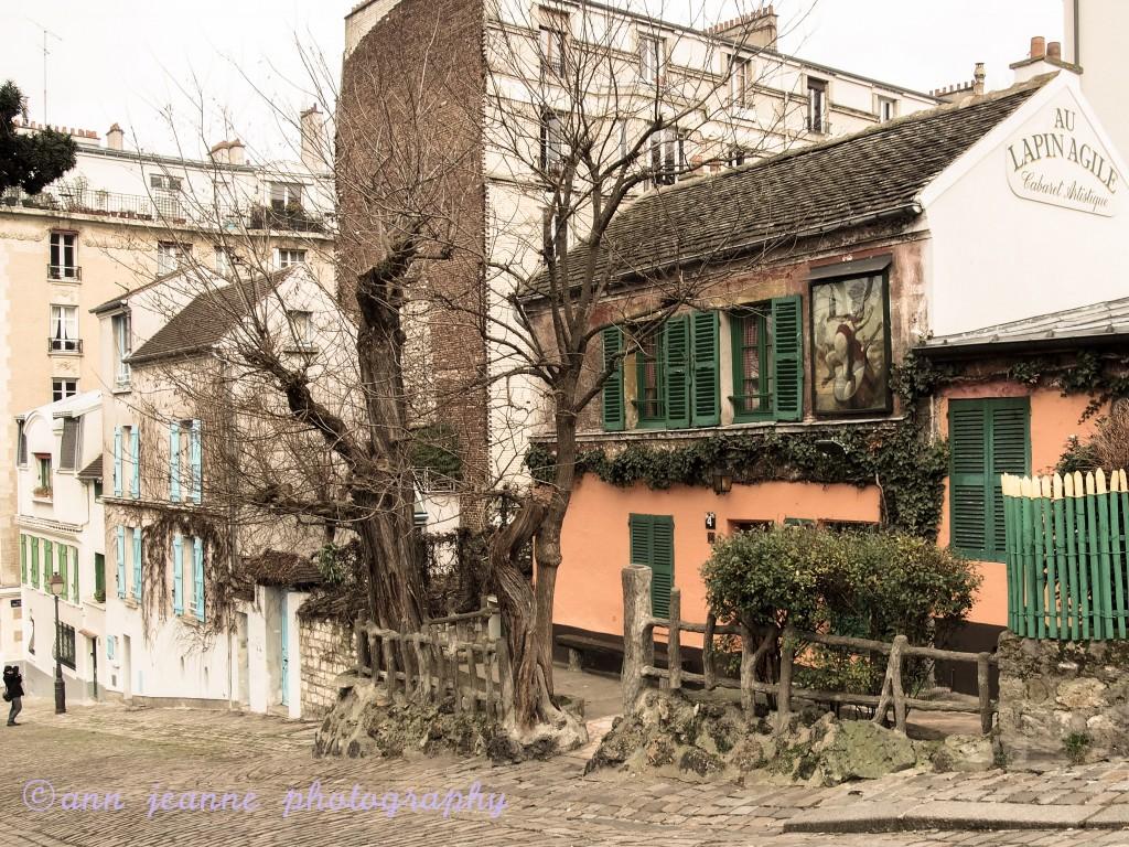 montmartre a village in paris ann jeanne in paris. Black Bedroom Furniture Sets. Home Design Ideas