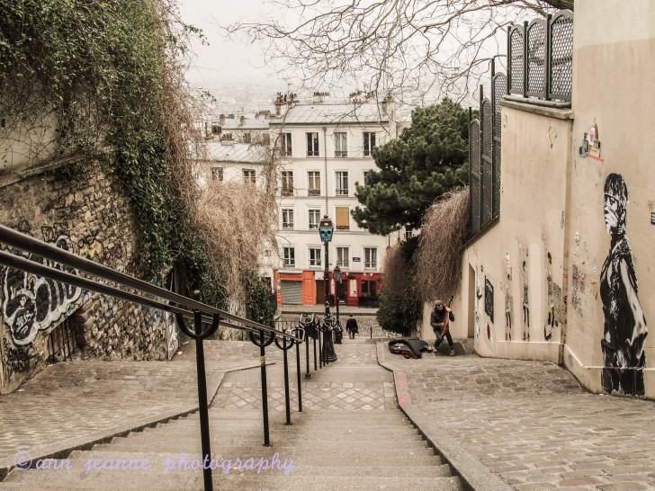 montmartre a village in paris ann jeanne in paris. Black Bedroom Furniture Sets. Home Design Ideas