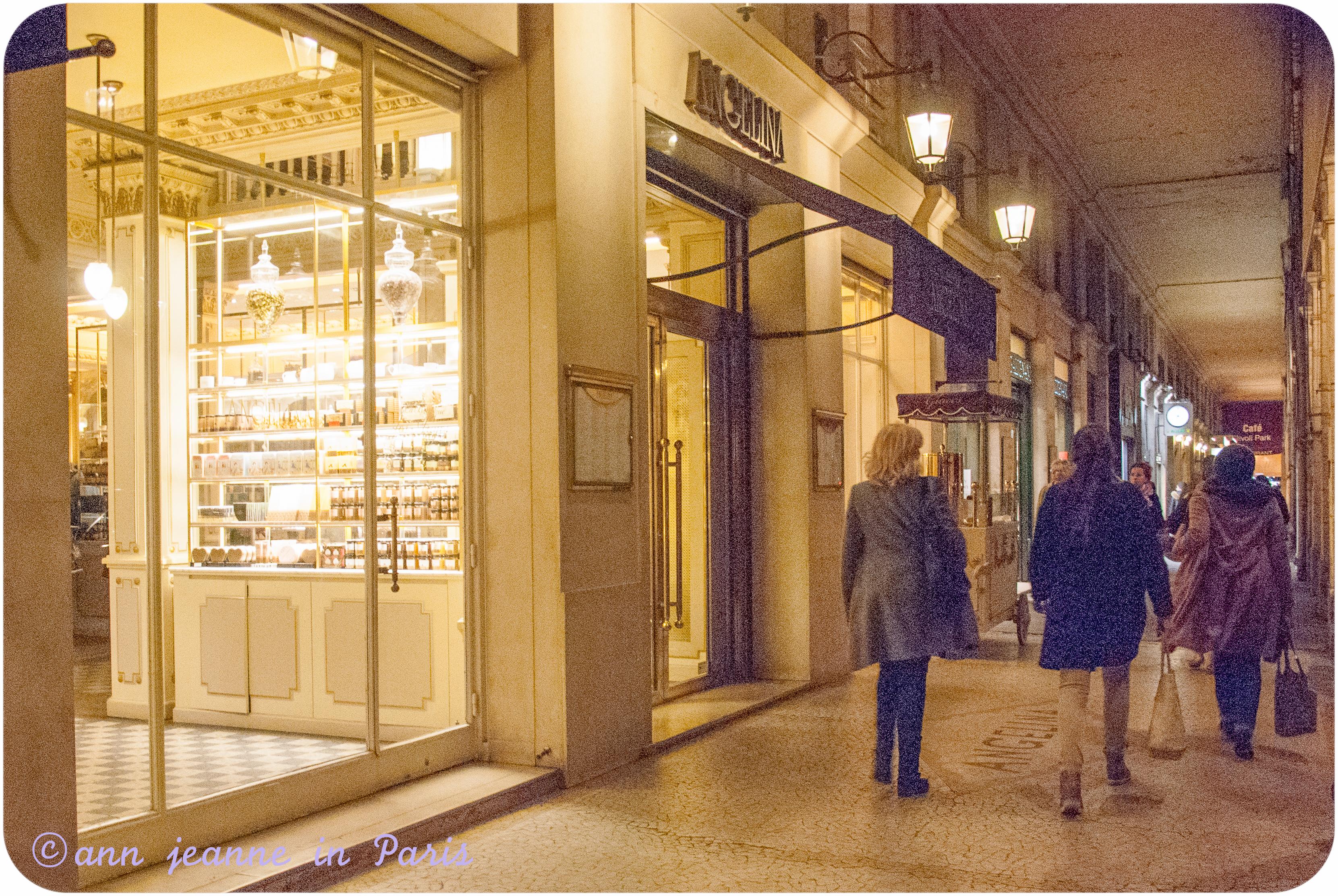 Rue de Rivoli (Angelina on the left side)