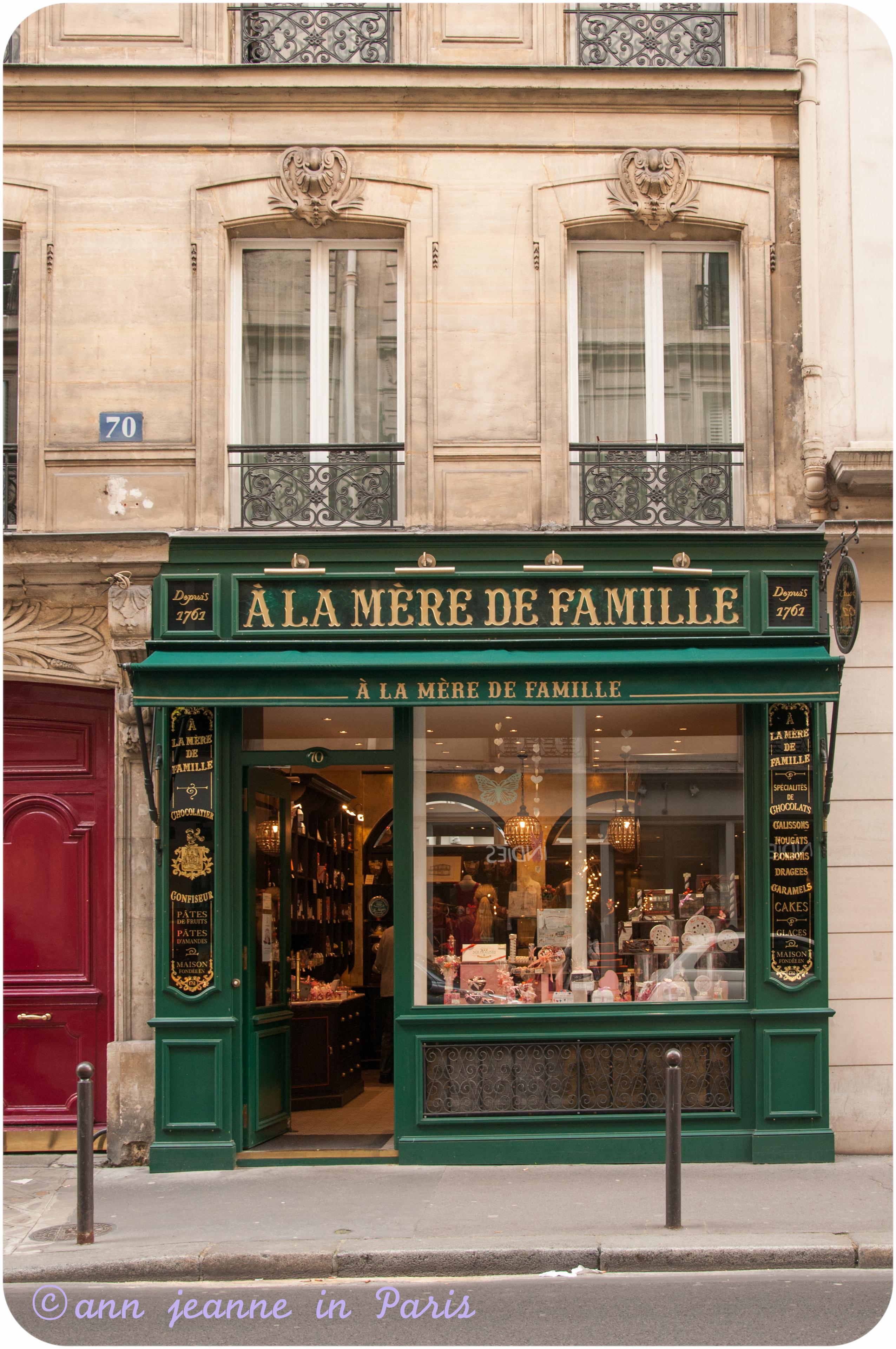 A La Mère de Famille - 70 rue Bonaparte