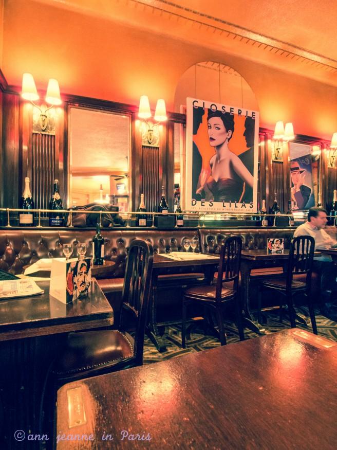 The bar of La Closerie des Lilas