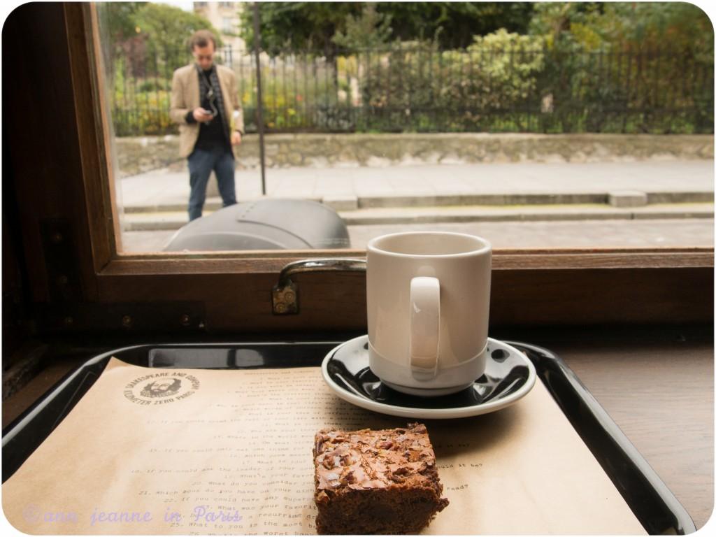 London Postcard tea and a Bob's kitchen chocolate brownie