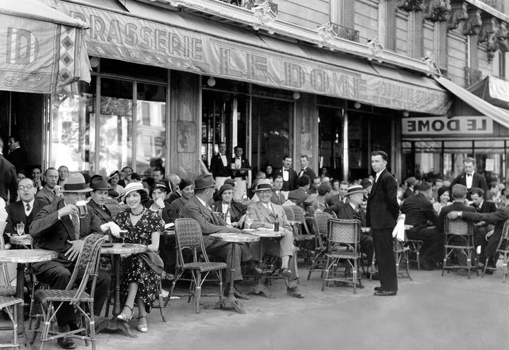 Parisian Café - Le Dôme Paris circa 1920