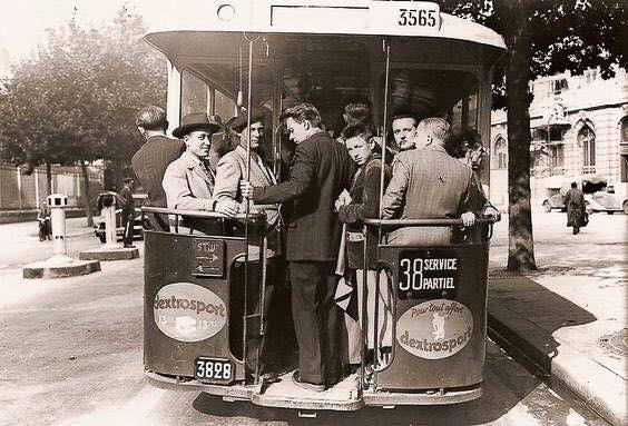 Petit modèles Anne Bus vintage pour mon site-1956