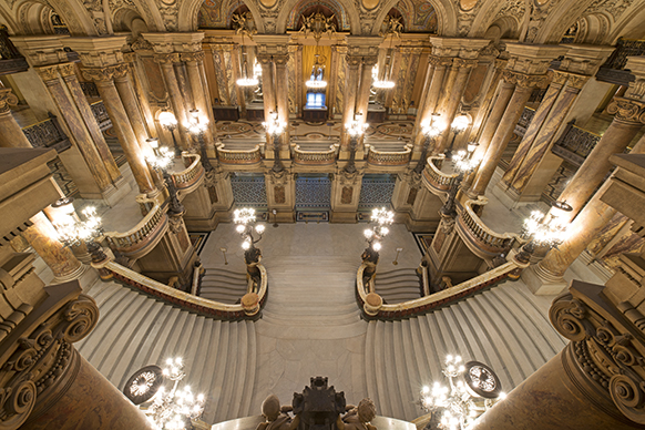 opera-garnier-vestibule-escalier