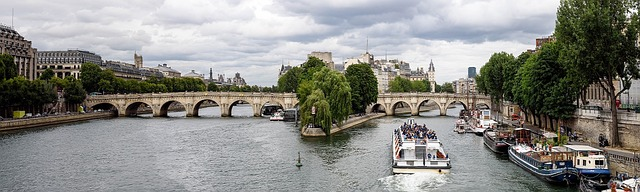paris-967186_640