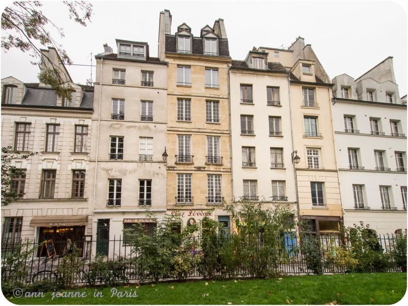 Saint Julien Le Pauvre street