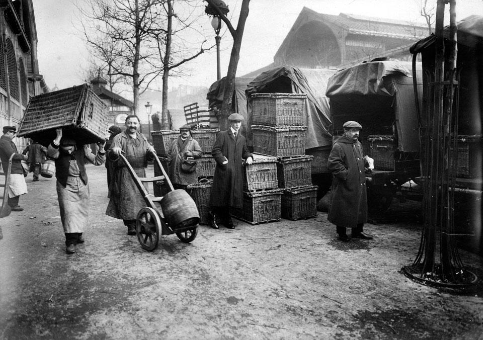 Approvisionnement aux halles, vers 1920-1930