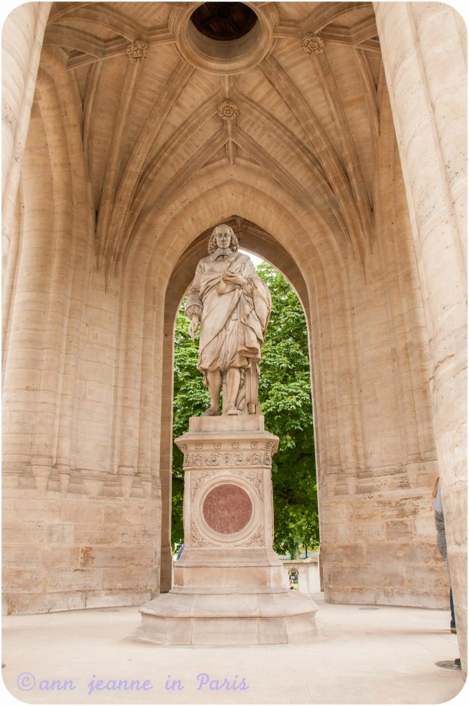 The statue of Blaise Pascal